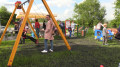Na os. Czumówka przy ulicy Krasińskiego otwarto plac zabaw.